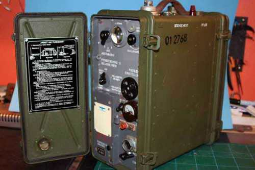 radio r-105