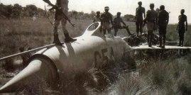 Agosto de 1986. Avión MIG-21 derribado por MANPAD –misil antiaéreo Stinger- suministrado por la CIA a la UNITA. Presuntamente la aeronave C-54 pertenecía a la fuerza áerea del gobierno de Luanda. Alrededor de esa fecha, sin embargo, se estrellaron o fueron derribados algunos aviones cubanos.