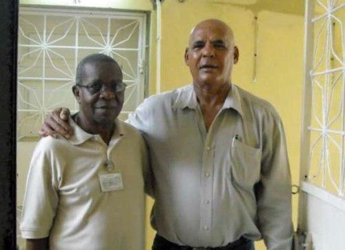 Con el General (UNITA) Benguela, que conversaba frecuentemente con los prisioneros
